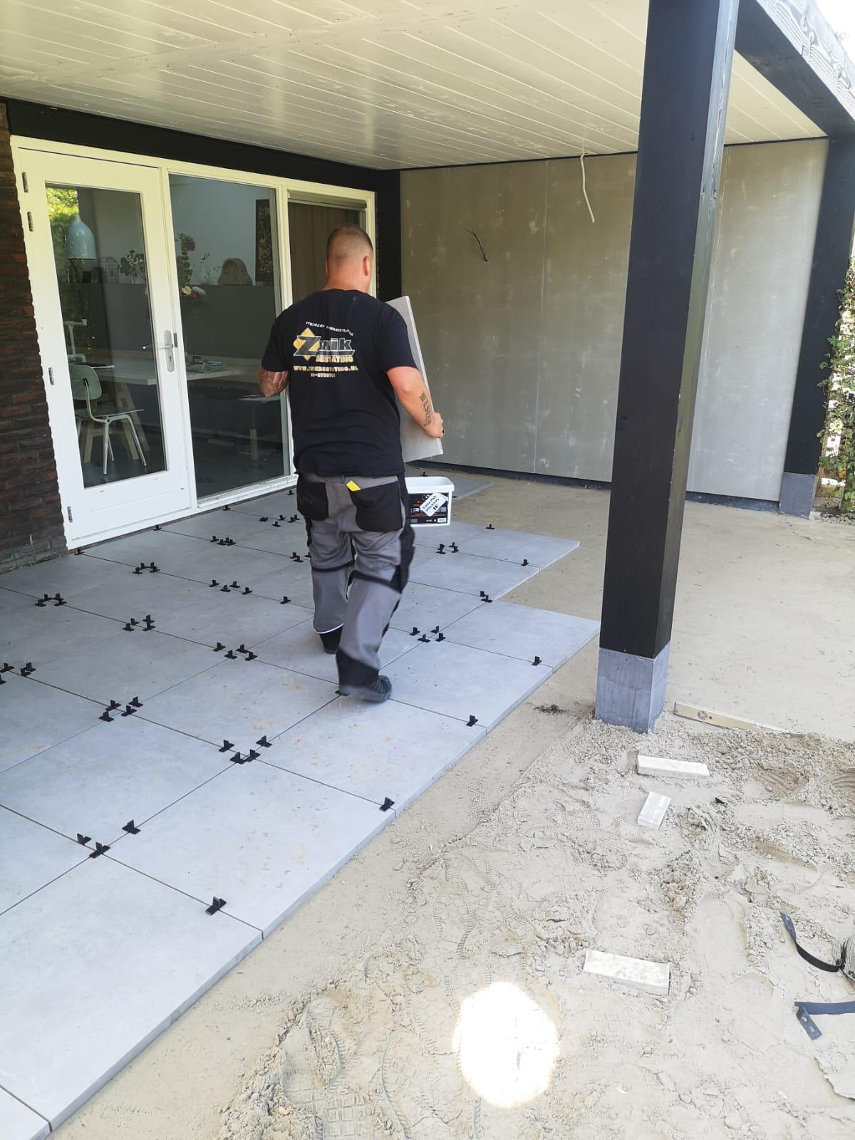 Aanleg keramische tegels